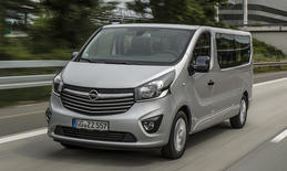 Opel-Transporter als Business-Lounge